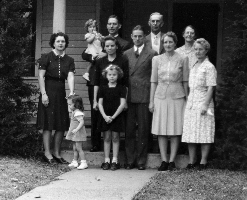 Karl, Helen, with Lois, Thornton, with Annette, Edna, Hattie and Aubrey Edwards along with Marbeth and her daughter