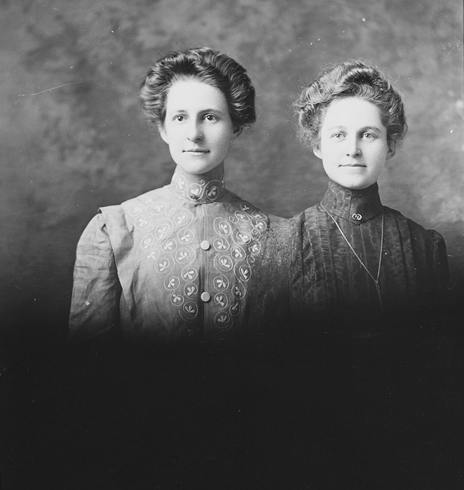 Mary and Hattie Beeler 1903